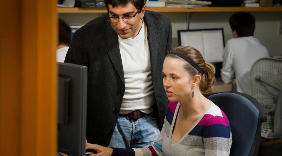 Prof. Nitesh Chawla collaborating with student