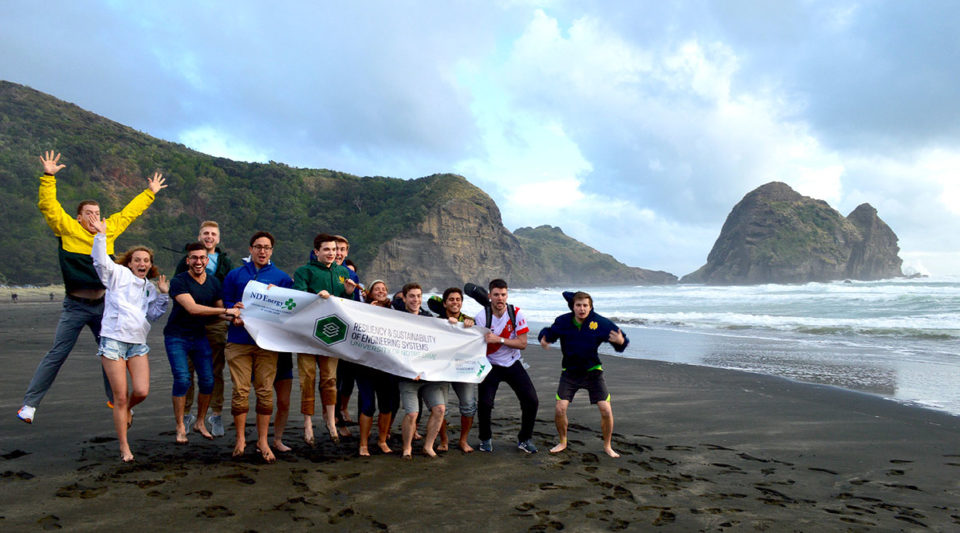 Students in the New Zealand study abroad program on Piha Beach outside of Auckland.